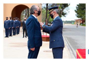 Juan José González vocal coordinador de FPEmpresa recibe la Cruz del Mérito Aeronáutico con Distintivo Blanco